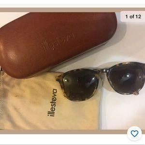Illesteva Hudson Tortoise Sunglasses